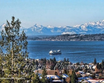 Edmonds Ferry and Olympic Mountains