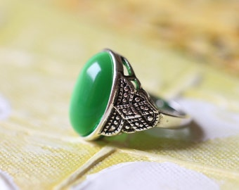 Purple cat eye ring Vintage Style green stone jewelry R109A