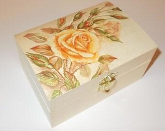 Shabby Chic Cream Jewellery Trinket Box Vintage Rose decoupage