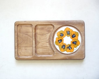 Vintage wood cheese plate / retro cutting board / orange and white mod floral ceramic charcuterie serving tray
