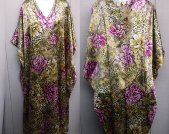 Vintage 80s Green with Pink Rose Floral Maxi Diva Goddess Caftan Dress / Free Size to XXL - 3x