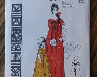 Vintage 1960s Dress Polynesian Pattern 124 Medium B34 36 2015359