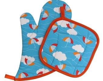 Cloud Umbrella Oven Mitt and Pot Holder Set
