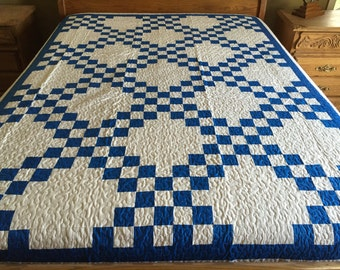 Queen size Machine pieced and quilted Irish Chain quilt #J-17