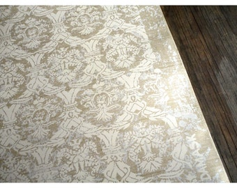Vintage Victorian Style Wallpaper - Gold and Silver
