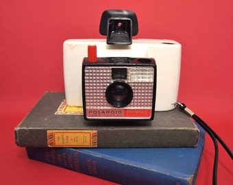 Free Shipping Vintage White Polaroid Land Camera Swinger