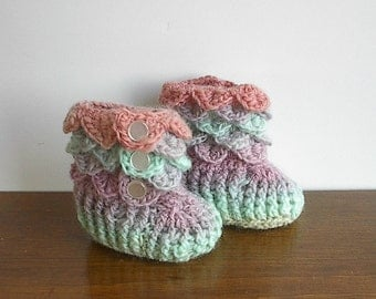 Crocodile Stitch Baby Booties Size Newborn to Six Months Crocheted in Buttermint - Ready to Ship