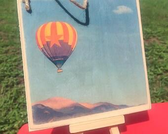 Balloon over Pikes Peak