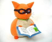 Book reading cat, Book loving cat and bookworm, Cat pincushion, Stuffed felt cat, Book reader gift, Nerdy cat gift, Cat lover gift, MTO, New