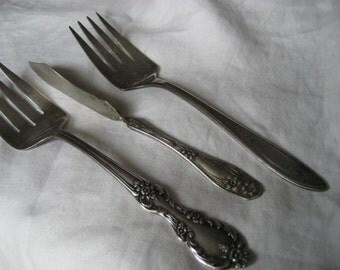Lot of 3 VINTAGE Flower Design Silverplate Flatware Serving Fork & Butter Knife Pieces