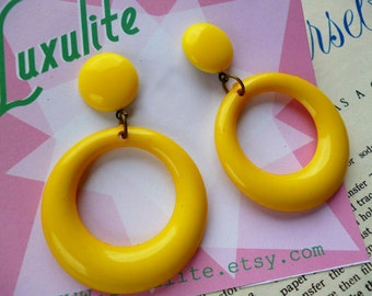 Sassy n simple! Sweater girl drop hoop earrings in Sunshine Yellow handmade 50s style by Luxulite