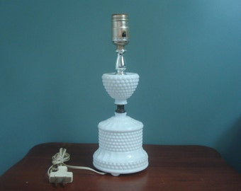 Small vintage hobnail lamp