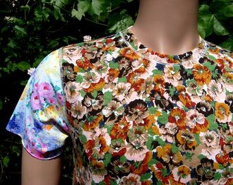 Men's floral t-shirt small
