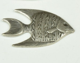 Fish Charm, Facing Right, 2 colors,  sold 2 each , 05302