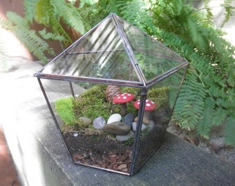 suspension petit terrarium en verre par sandhillshores sur. Black Bedroom Furniture Sets. Home Design Ideas
