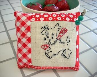 Embroidery Pincushion, Pincushion, Pincushion's, Needle Craft, Sewing Supplies
