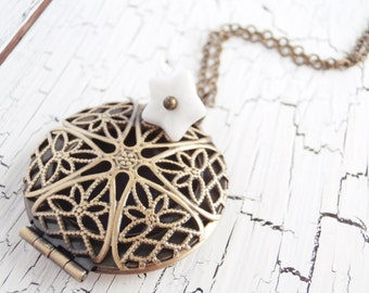 Essential Oil Diffuser Locket Open Filigree Brass Aromatherapy Locket Necklace