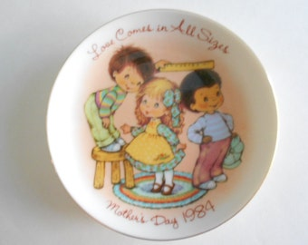 "Mother's Day Plate Vintage 1984 Avon Plate Love Comes in All Sizes 5"" Plate Collectible Plate Porcelain Plate Home Decor Display Plate"