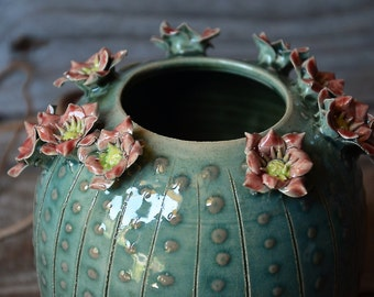 Stoneware Cactus Vase with flowers - Wheel thrown - Stoneware (grès) Vase