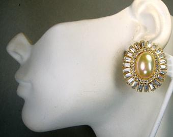 Vintage Oval Gold n White Rhinestone Posts, Dressy Glamorous Fancy Gold Glitzy Earrings, 1980s, Bridal, Hollywood