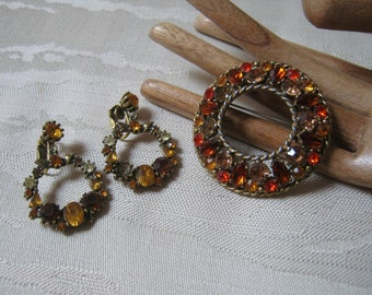 Vintage Large round circle rust tones circle pin brooch, autumn tones faceted crystals big circle wreath pin, golden crystals dangle earring