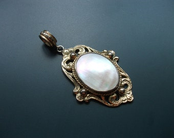 Vintage MOP Mother Of Pearl Shell Large Pendant