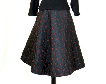 This is the Perfect 1950s Quilted Skirt  TRUE Vintage   Halloween Party Must!