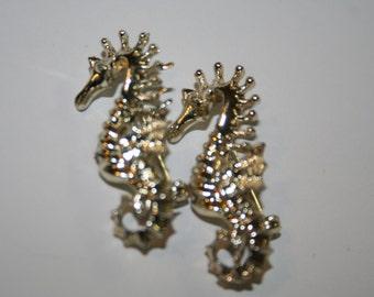 2 vintage seahorse brooches