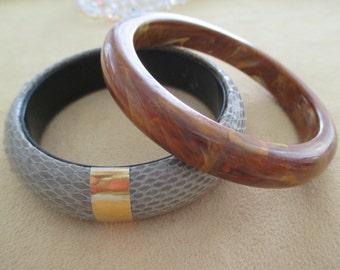 vintage costume jewelry  /  2 bangle bracelets