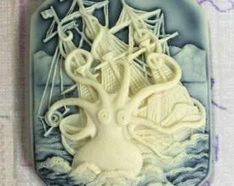 New Shape! The Kraken, set of 2, Ivory on Black, 40x28x17x6mm
