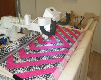 Longarm Edge to Edge Panagraph Quilting Service for your quilt