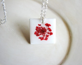 Tile Necklace, Pressed Flower Necklace, Red Queen Anne's Lace Necklace, Delicate Flowers Necklace, Nature Lover Gift, Bridal Jewelry, Rustic