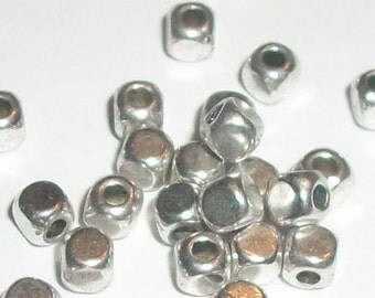 Antique silver plated spacer beads 4x4mm rounded cube shaped spacer beads -- 100 pieces  (22202AS)