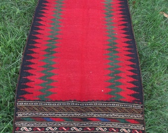 SALE: 5 ft  x 2 ft 5  Zingy Red Black Carpet Kilim Rug Hand woven thick wool. 152 x 75 cm Tapis