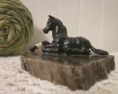 vintage Black Beauty Horse on Connemara Marble Base marked Galway. Small Irish equestrian objet d'art, statue, figurine. White blaze.