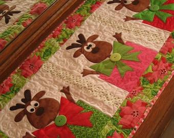 Santa's Helpers PDF Christmas Table Runner Pattern