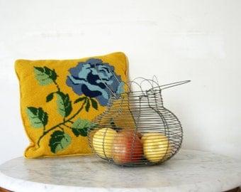 Sweet Vintage French Wire Egg  Fruit or Veggie Basket