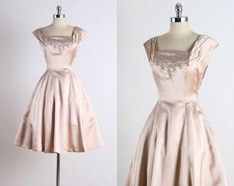 Ellen Kaye . vintage 1950s dress . vintage satin dress . 4722