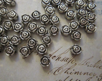 50 metal flower beads - silver tone - 6mm