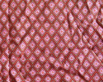 Floral diamond print quilt fabric cotton pink red green