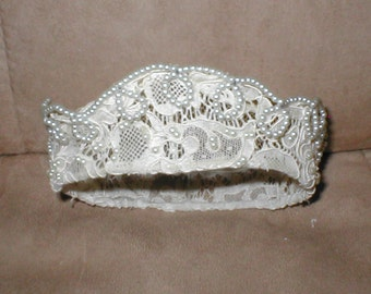 Vintage 1940's Ivory Lace Crown style Bridal Headpiece