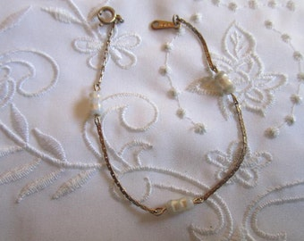 Vintage Gold Tone Avon Chain Link Bracelet with Faux Pearl Beads
