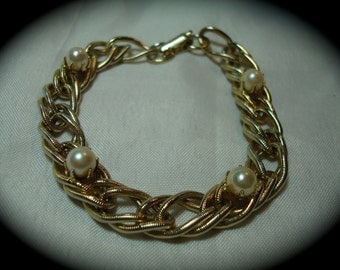 1960s Vintage New Gold Tone Etched Linked Charm Bracelet with Faux Pearls.