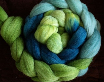 "Hand Dyed Polwarth/Silk ""Herb Garden Gradient"" 4 Oz."