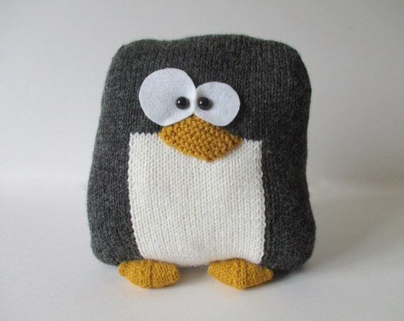 Knitting Pattern For Penguin : Penguin Cushion Knitting Patterns