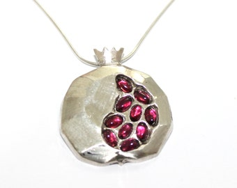 Magnificent 925 Silver New Pomegranate  Judaica Pendant Necklace set with Egg Garnet Stones