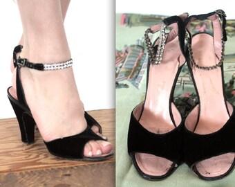 Vintage 1950s Heels // 50s Black Velvet Peep Toe Heels with Rhinestone Ankle Strap // DIVINE