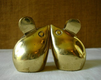 2 VINTAGE BRASS MICE Figurines Cast Brass Mice Pair Brass Mouse Mices Cute Brass Mice