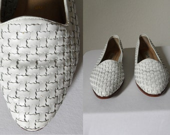 Vintage White Leather Basket Weave Slip On Womens Loafers Hipster Classic Preppy Size 7.5