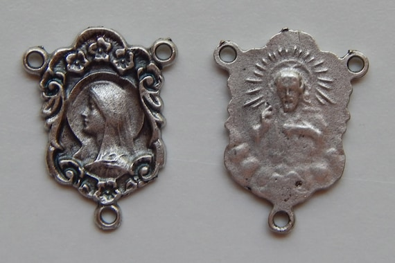 5 Rosary Center Piece Findings, Mother Mary, Sacred Heart, Silver Color Oxidized Metal, Rosary Centers, Religious, Made in Italy, 3 Loops